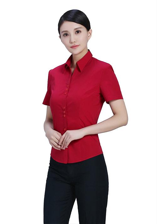 红色职业衬衫